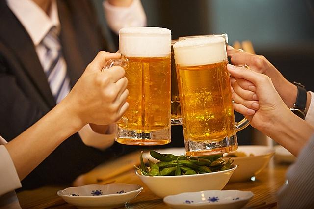 【要注意】飲むだけで運気が上がるお酒と飲み方を紹介します